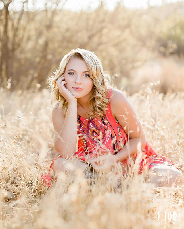 Just when I think my seniors this year couldn't possibly get any prettier... in walks absolutely STUNNING @shealindsaylinane!! Obsessed with this photo from her senior session with that golden light, golden hair, golden field, and way too adorable red free people dress!! . . . #sneakpeek #seniorportrait #jtoriseniors #senioryear #seniors #seniorpictures #seniorportraits #venturaphotographer #santaynezphotographer #californiaphotographer #seniorportraitphotographer