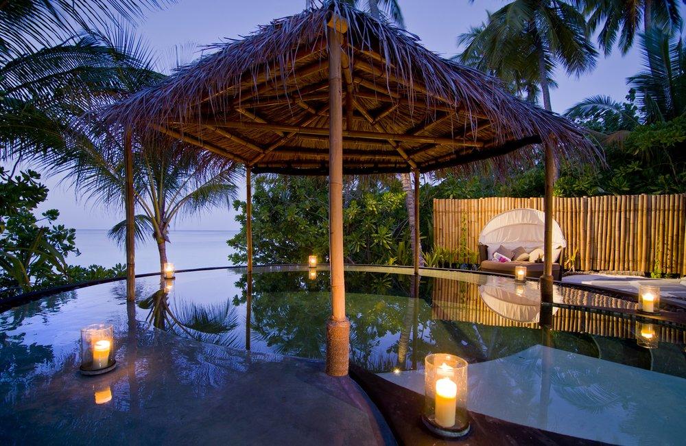 One&Only Reethi Rah Spa Watsu Pool