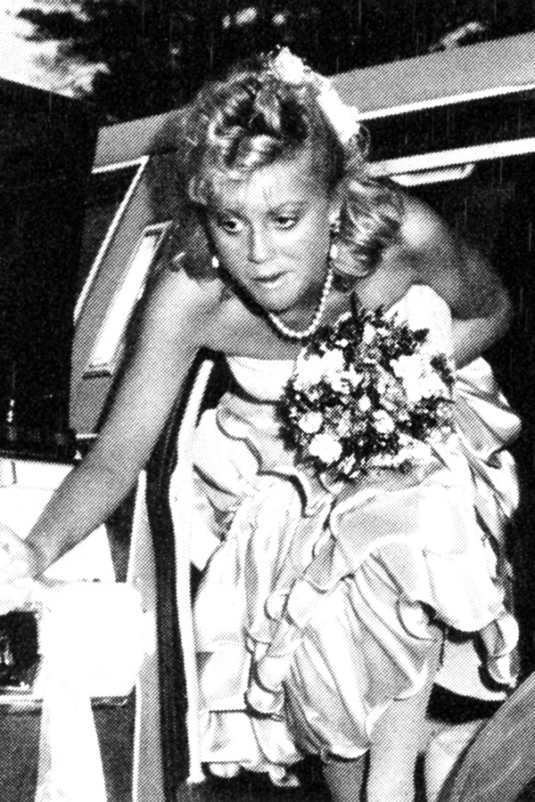 marissawompler: amy poehler at her senior prom x I thought this was a young Angela Lansbury at first and got unnecessarily super excited.