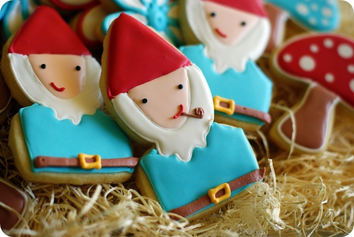 gastrogirl: fun gnome cookies.