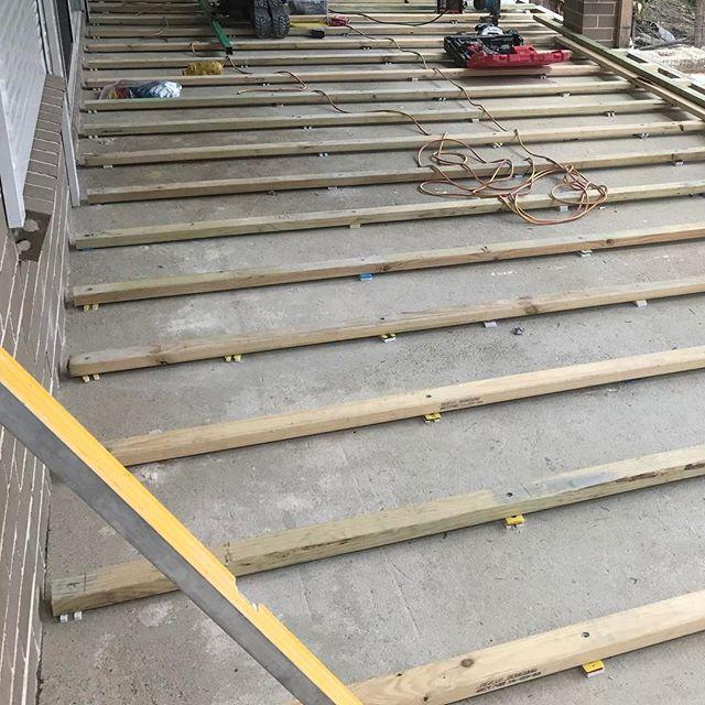 #stonecraftgardens #sydneylandscaping #battens #deckonaslab #sydneylandscaper #deck #landscapeconstruction