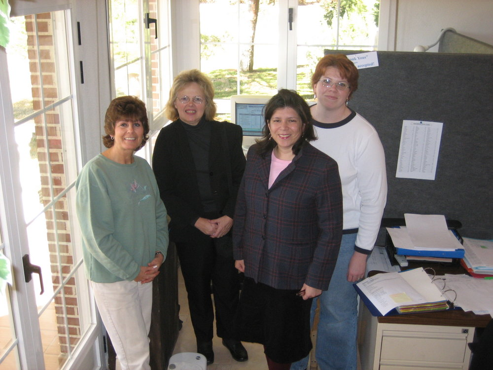 Staff in IMM's temporary offices in Los Hueros, near the current facility, in 2004.