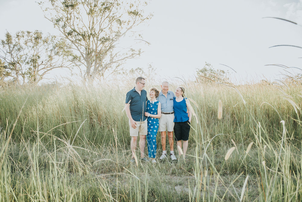 Outdoor family portrait | Sirromet Winery | Lightsmith Images