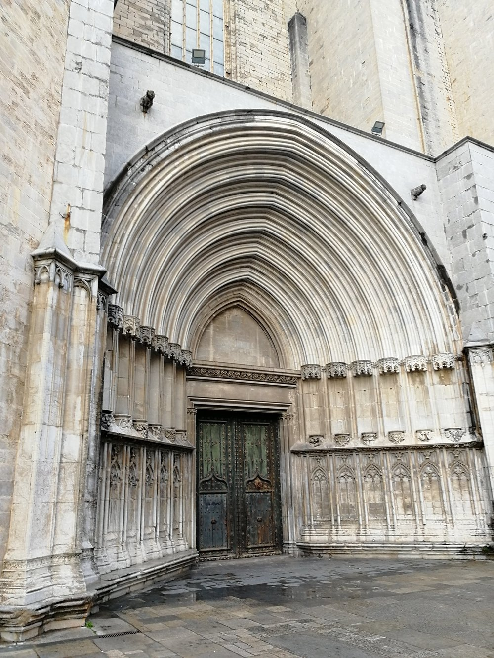 T'other side of the Cathedral