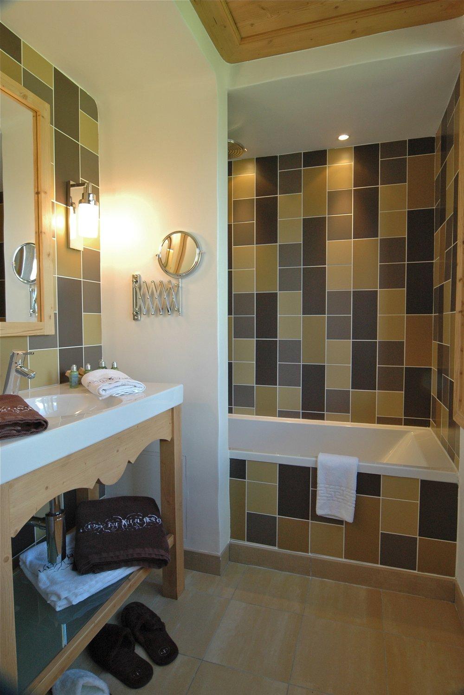 salle de bain standard chalet.jpg