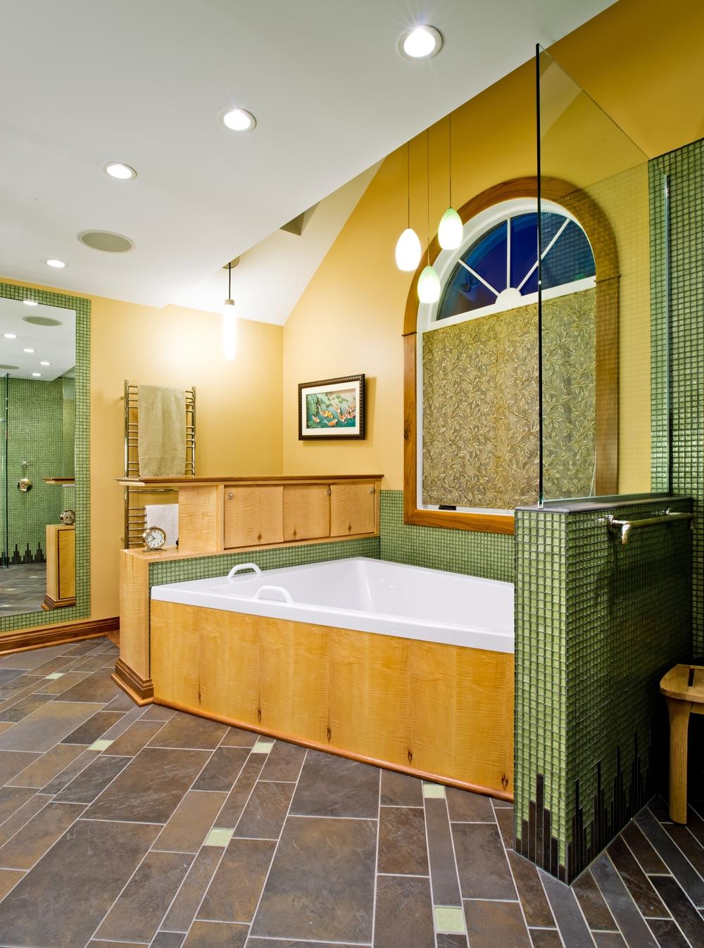 Custom Bath 6.JPG