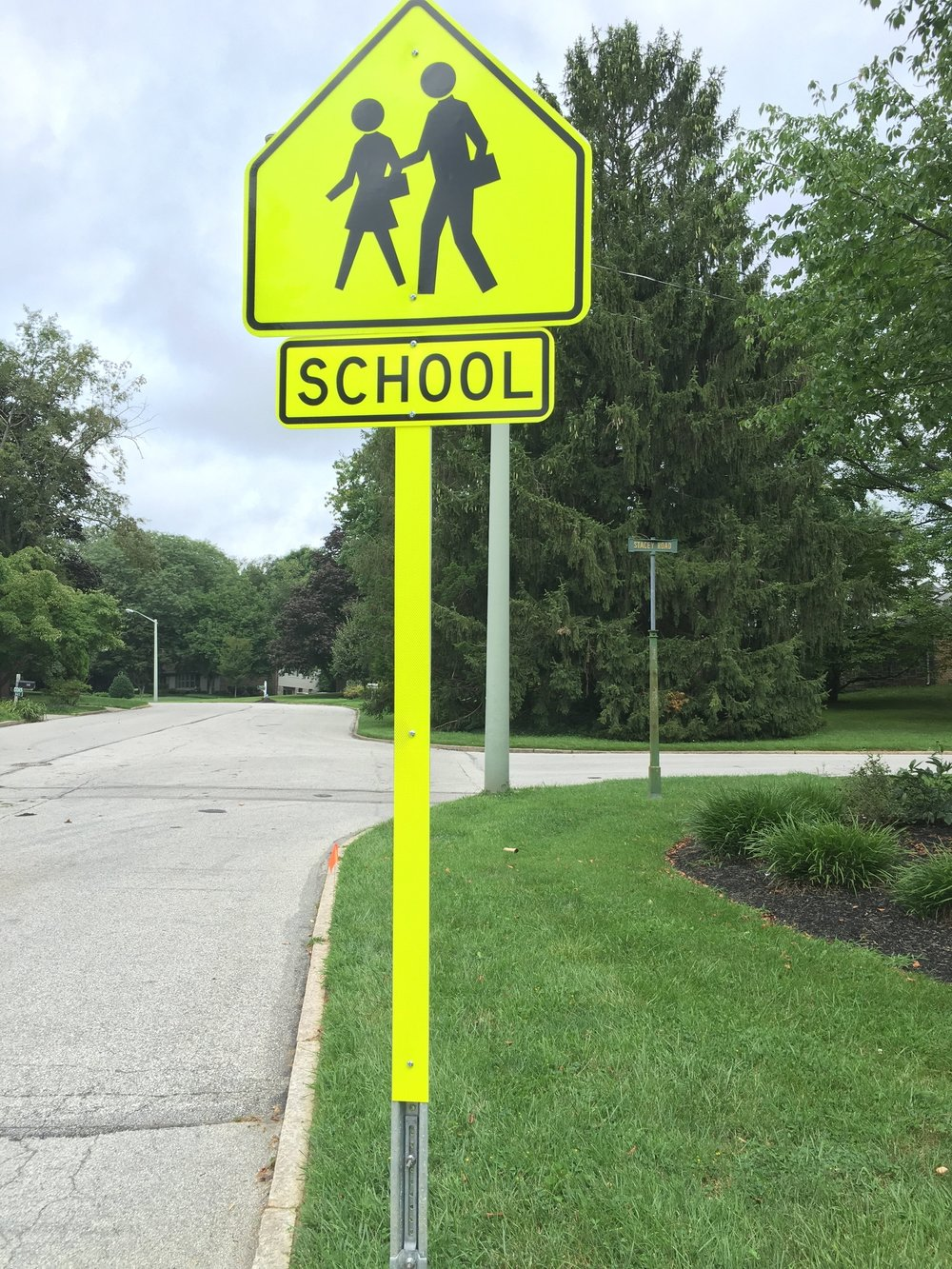 New high visibility sign installed by Lower Merion School District at our request.  It sits at the corner of Margo Lane and Stacey Road and alerts drivers to the possibility of children walking and the approaching elementary school. Please remember that Margo Lane is 1-way from Ardleigh to Righters Mill Road during the school year, 8:30am-9:00am and 3:30pm-4:00pm to allow for orderly and safe pick-up and drop-off.