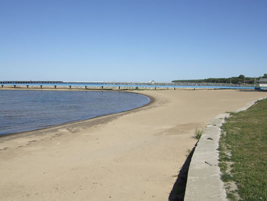 veterans waterfront park beach.jpg