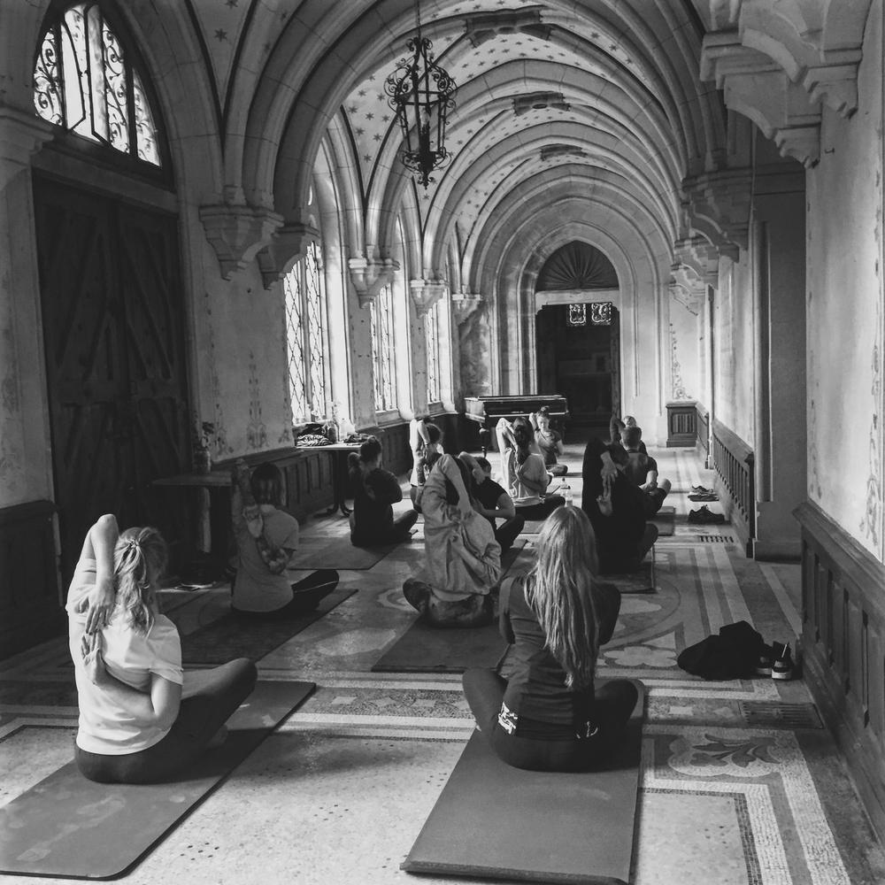 Lasalle-yoga1.png