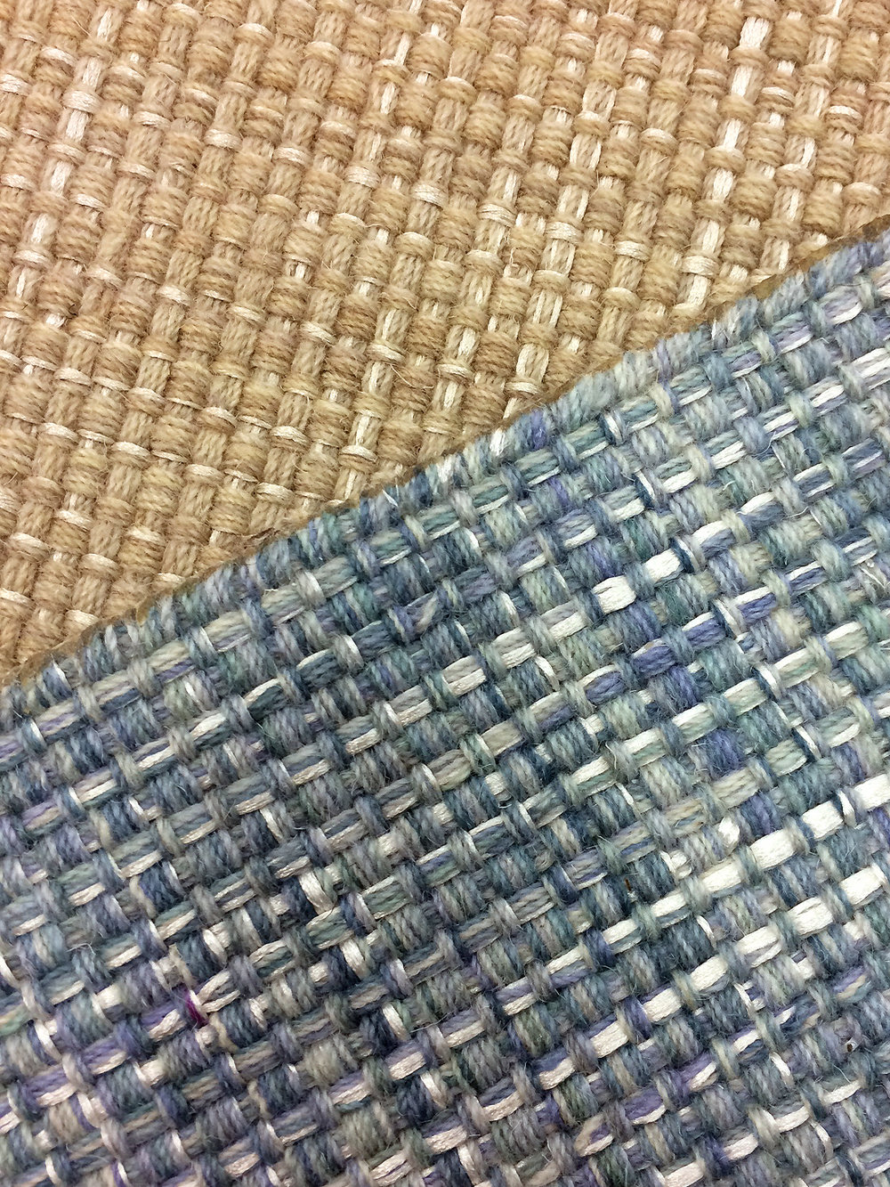 Plaid flat-woven carpet with shine accents