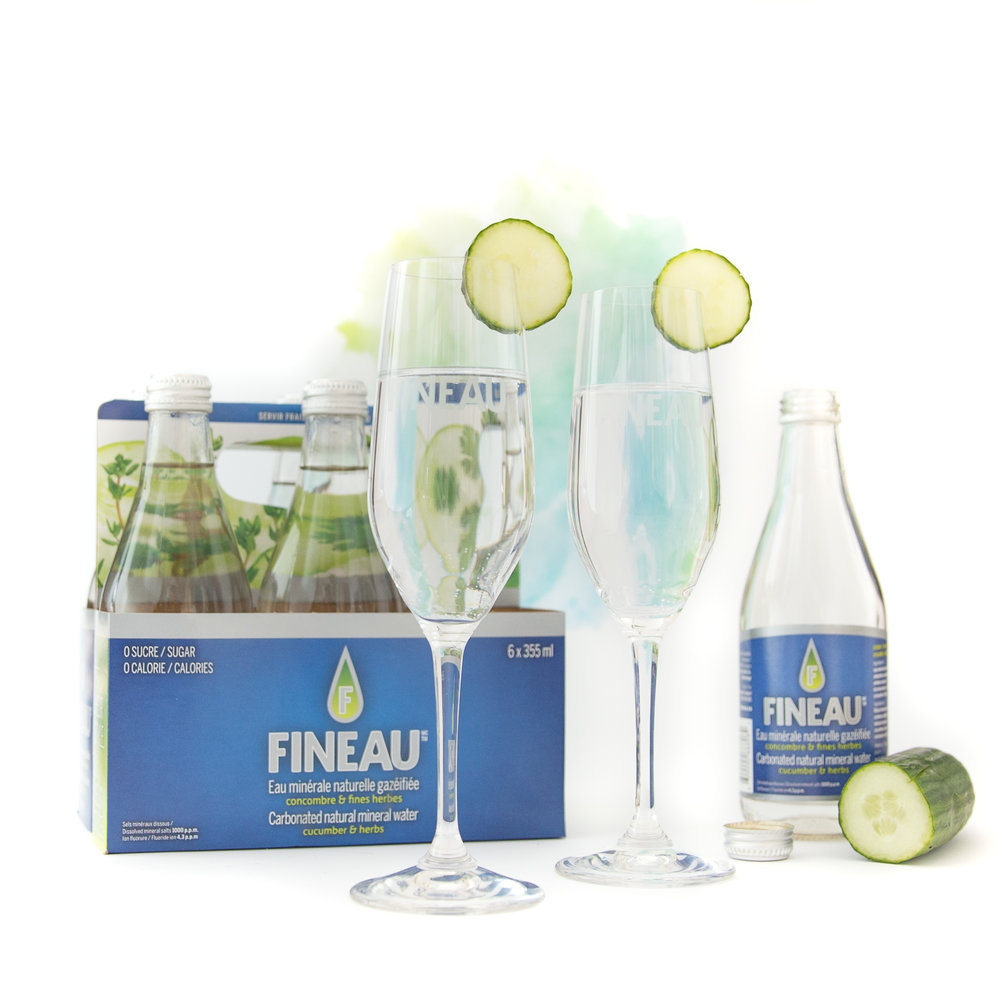 L'EAU MINÉRALE ET NATURELLE FINEAU Testons cette eau gazéifiée à saveur de concombre et de fines herbes. →