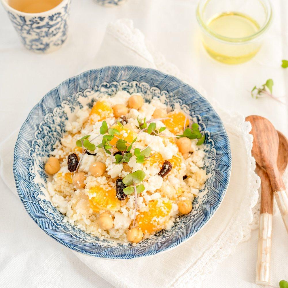 SALADE MAROCAINE AUX CHOUX-FLEURS RÂPÉS Vous adorerez cette recette simple de salade sortie tout droit de la Méditerranée tirée de mon livre Légumineuses & cie →