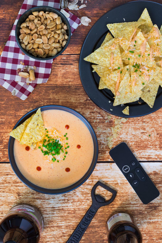 Trempette chaude au fromage pour les soirs de match Photographie et stylisme culinaire : Hubert Cormier