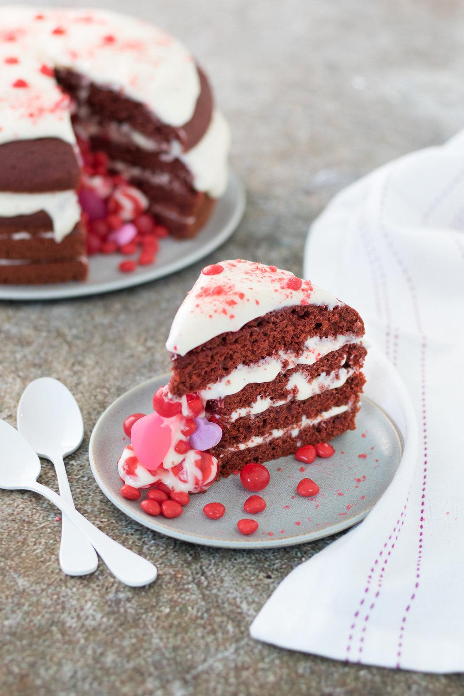 Gâteau red velvet aux betteraves Photographie et stylisme culinaire : Hubert Cormier