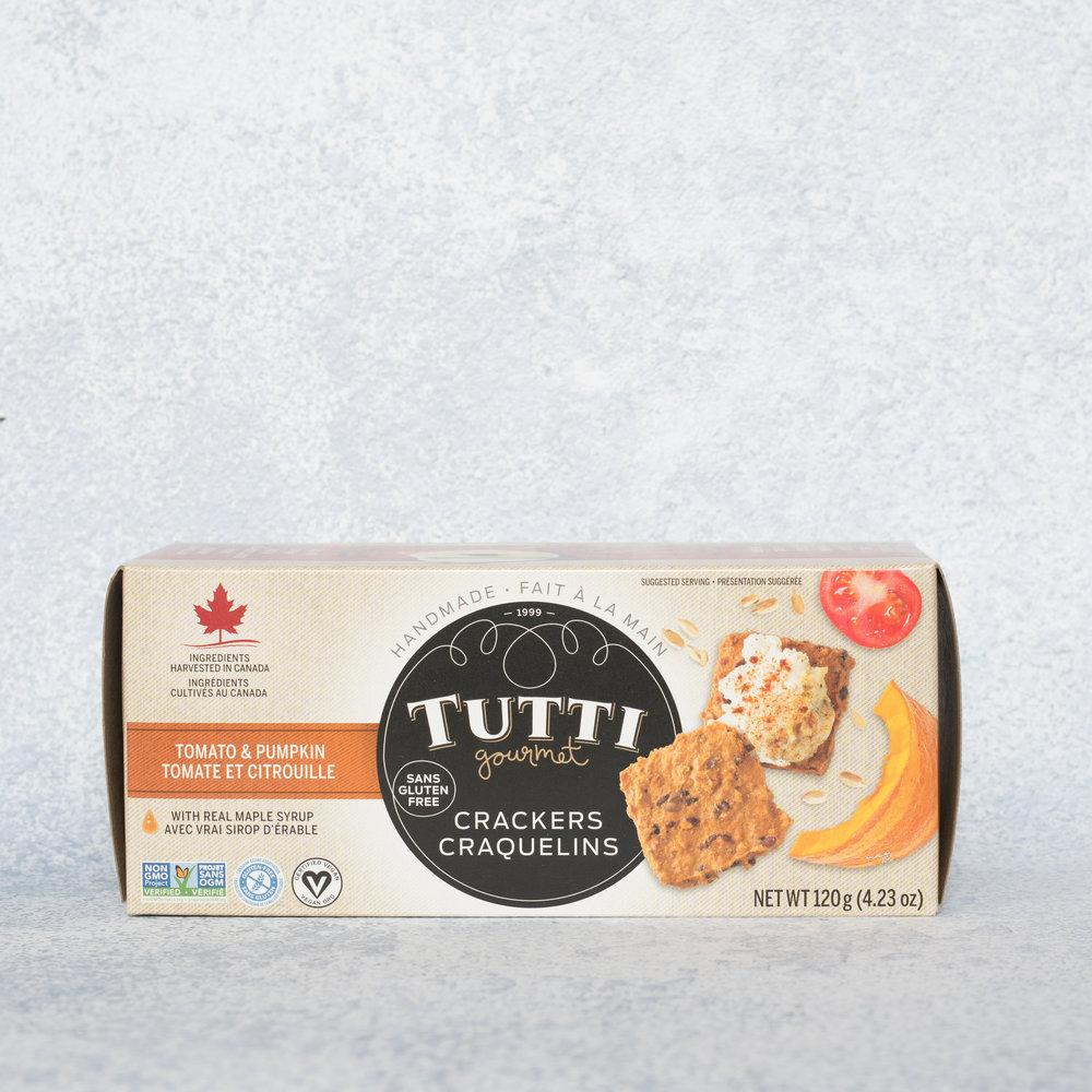Craquelins Tutti Gourmets - Tomate et citrouille - Des craquelins du Québec avec une saveur inusitée et de bonnes valeurs nutritives (2g de fibres, 0mg sodium par 20g de craquelins), c'est plutôt intéressant!