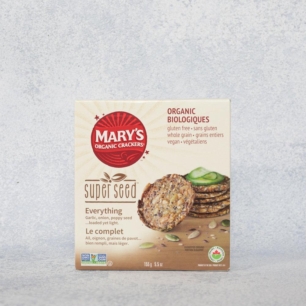 Craquelins organiques Le complet - Mary's Organic Crackers - Retrouver 3g de protéines et 3g de fibres par portion de craquelin, ça relève presque de la magie! Ils vous rassasieront et s'agenceront à merveille autant avec votre humus qu'avec vos fromages préférés! À essayer!