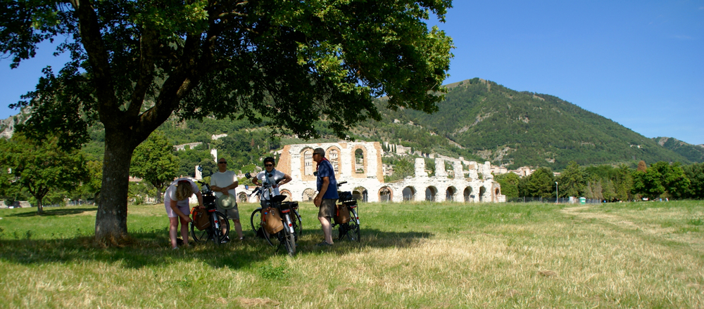 The Ancient roman theater, Gubbio, umbria - Gourmet bike tour