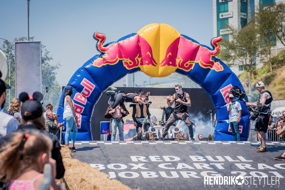 RED BULL BOX CART '18