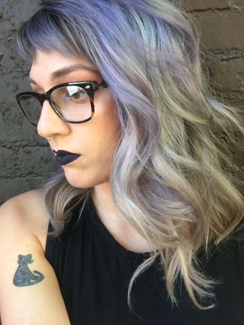 Elyse Venezia, Stylist Embrace the true you! That's my motto. Whether it's fantasy mermaid hair, a funky short pixie, or natural luscious locks. Don't let others, or your age, dictate your look. Do what makes you truly happy and confident.