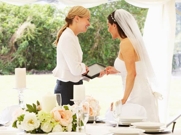 Finding-a-Wedding-Planner-to-Realize-Your-Dream-Winter-Wedding.jpg