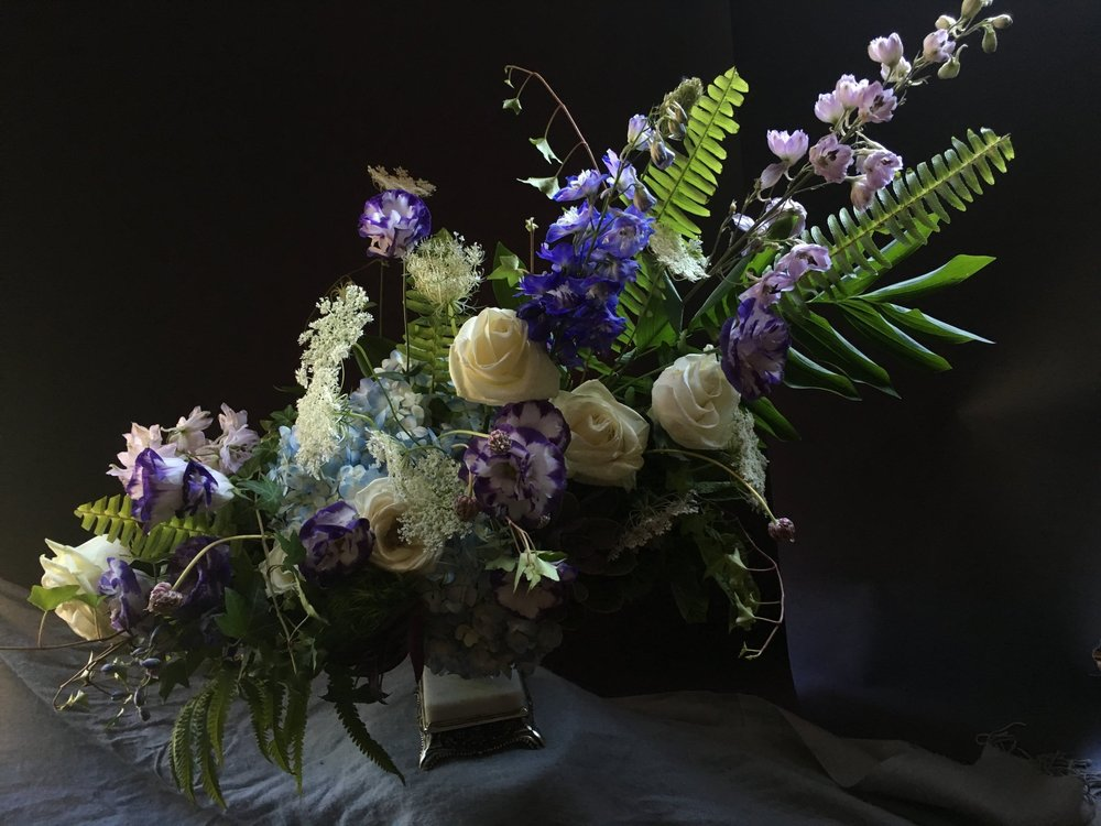 Previous Arrangements  Each week we curate a different collection of flowers. See previous arrangements here   View Gallery