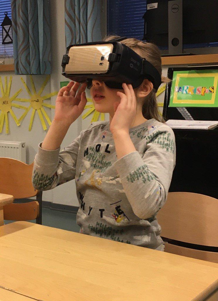 VR koulussa.jpg