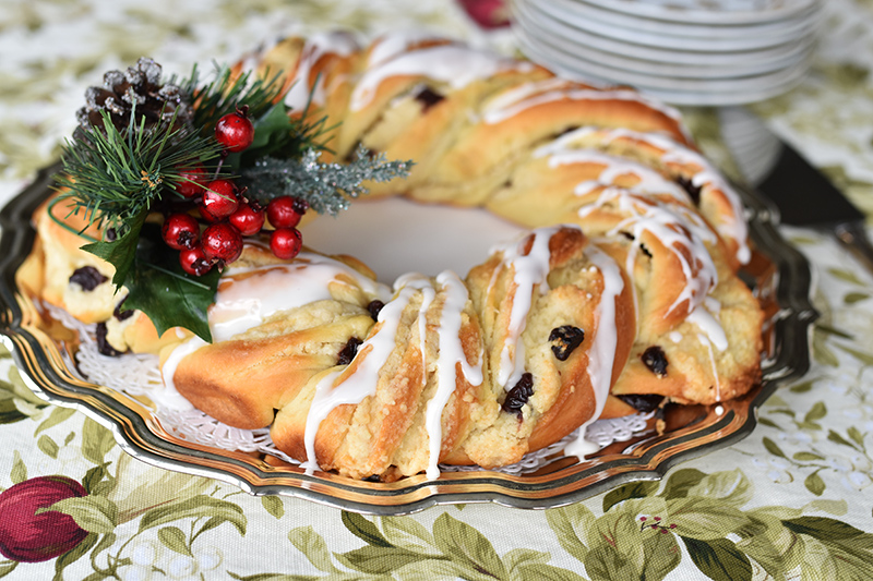 Christmas-Breakfast-Wreath-side-Maureen-Abood.jpg