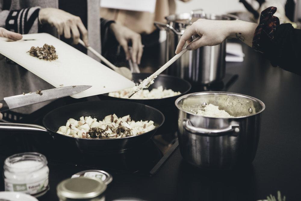 Sommerküche Tcm : Tcmküche hash tags deskgram