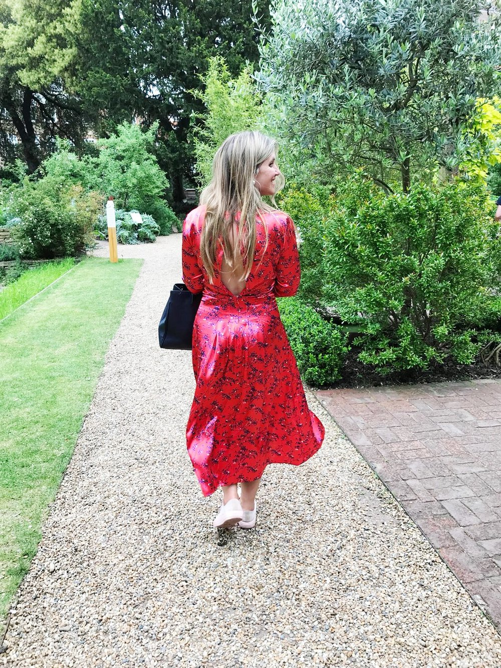 Anna from House Anna in Chelsea, secret garden spaces to visit in London.