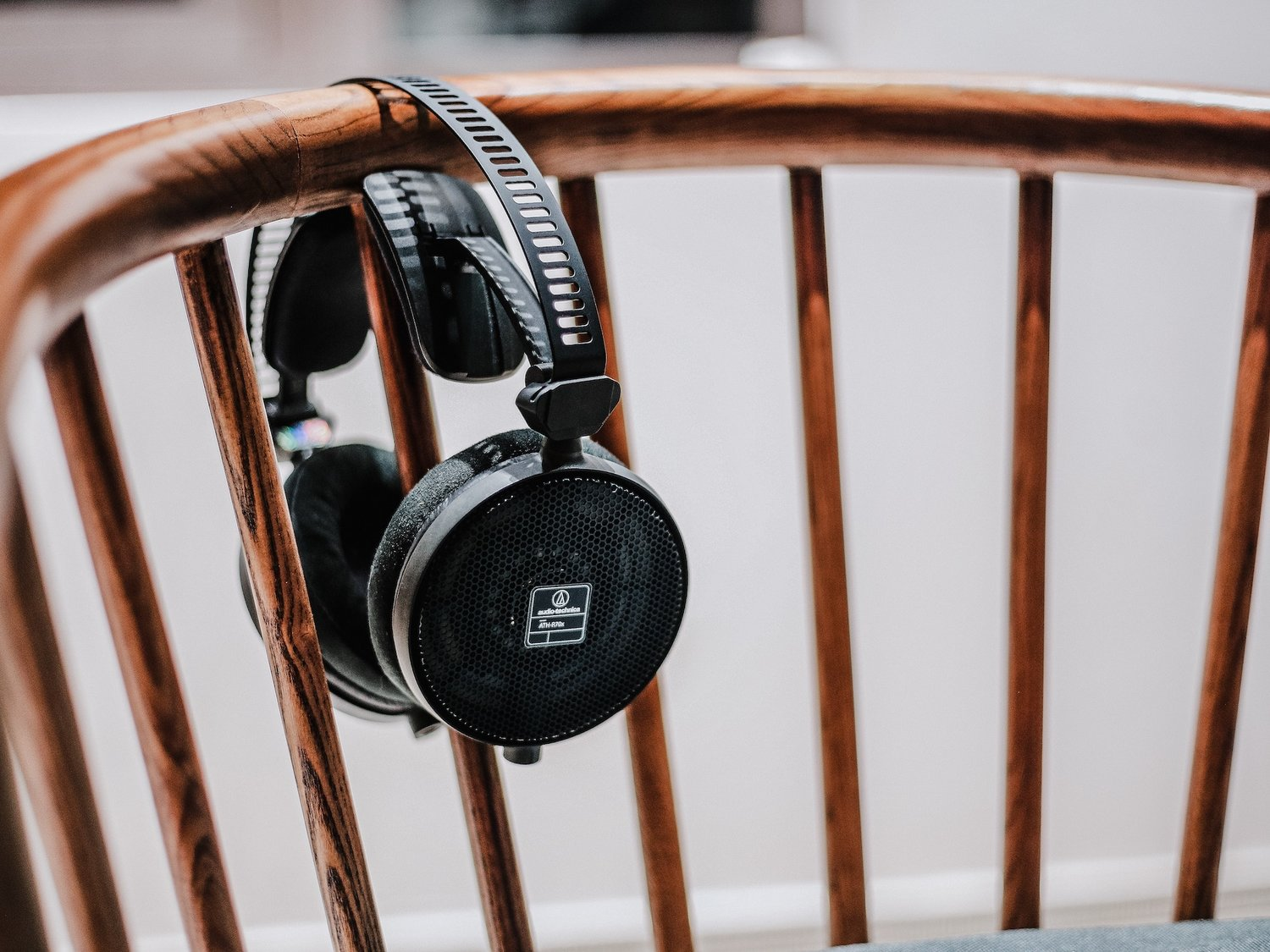 What's the difference between MP3 and Lossless (FLAC / WAV