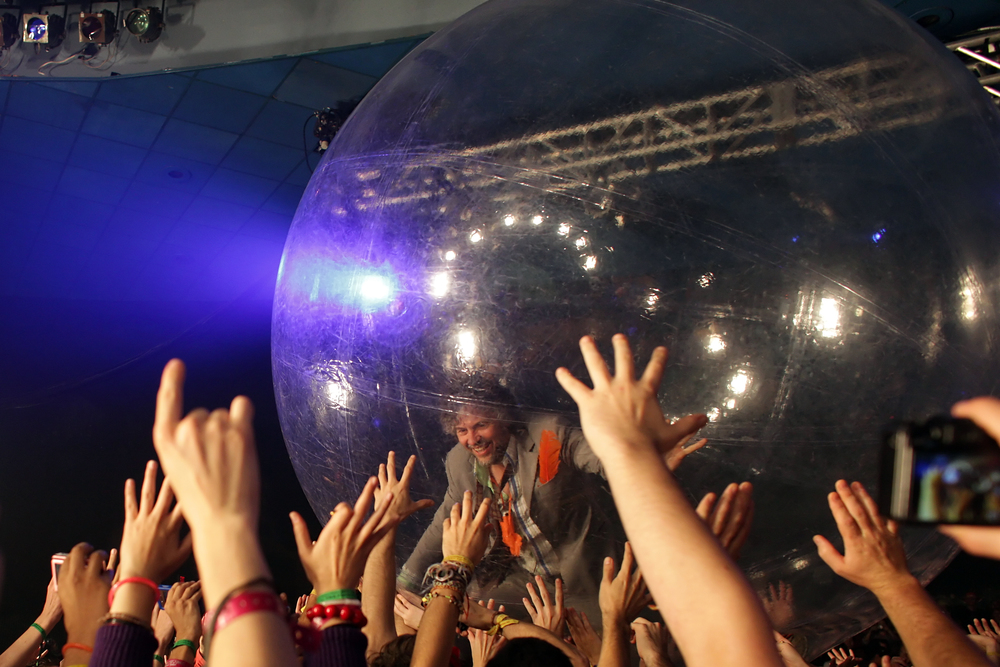the-flaming-lips-at-all-tomorrows-parties-ny-atp-ny_3919690707_o.jpg