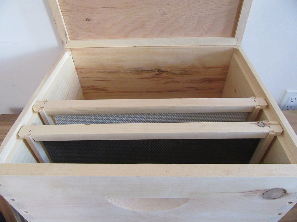 Deep Hive Box and frames