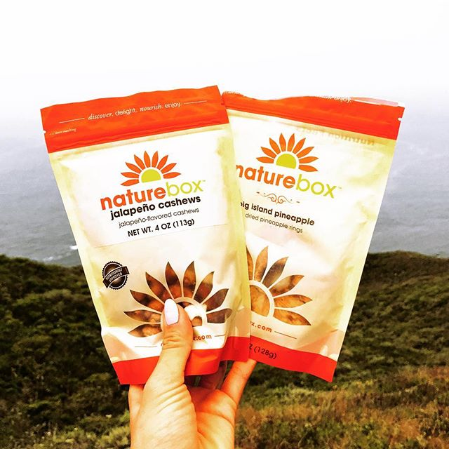 Took some of my favorite @naturebox snacks with me on my hike this weekend in Marin. My absolute favorite is the Big Island Pineapple - so juicy and sweet with only 1️⃣ ingredient (pineapple, duh). So glad I have access to these delicious and better for you snacks 😋!