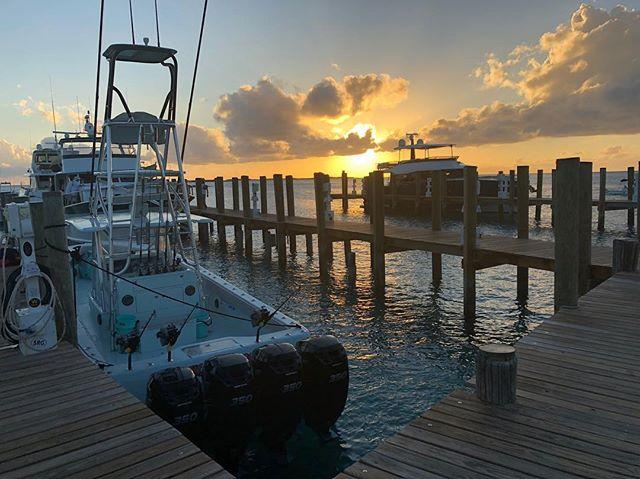 Made Staniel in no time. Next stop Jurassic Park.. @stanielcay #sailsmenfishingteam @mercurymarine @seaveeboatsofficial #seavee #exumas #mercurymarine #stanielcay #bahamas