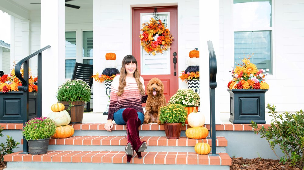 Fall Front porch decorating on a budget.JPG