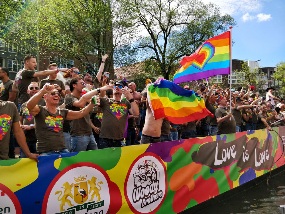 Gay-Pride-Amsterdam-Float_3.jpg