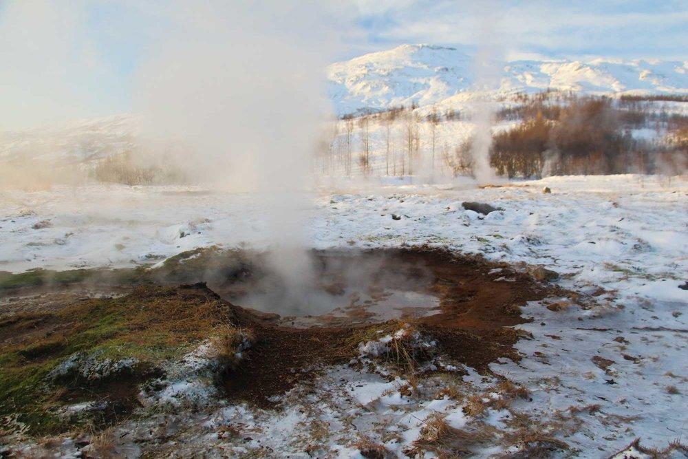 iceland-geysers.jpg