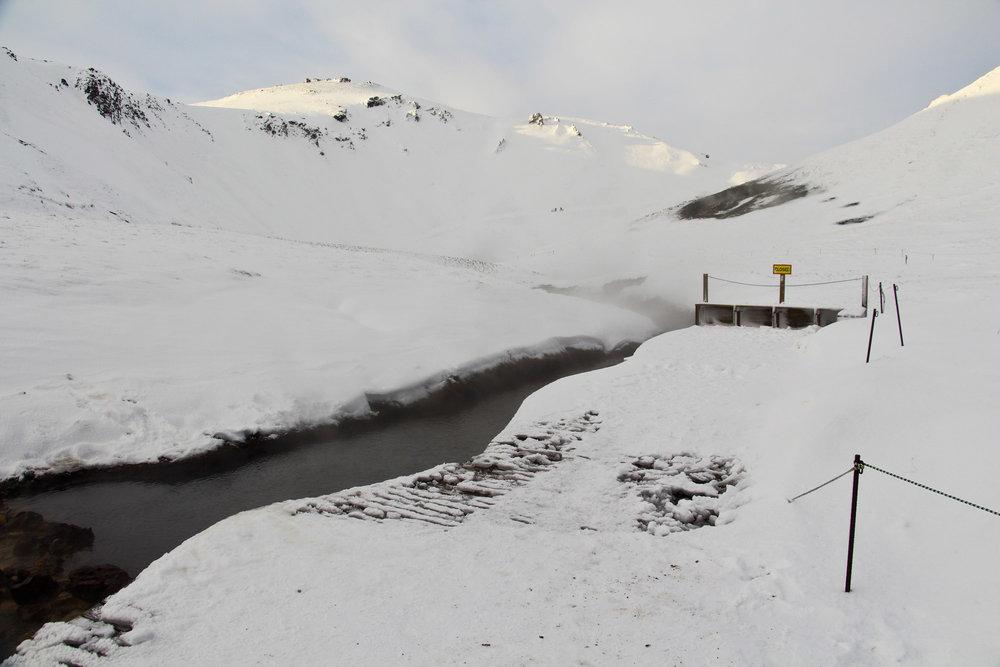 iceland-geothermal-river.jpg