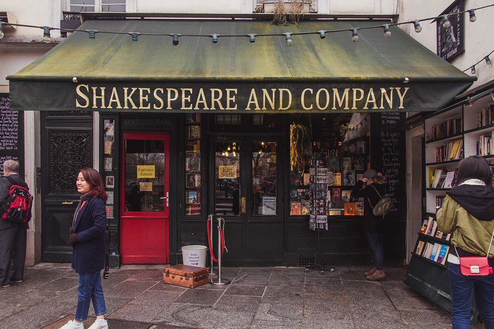 paris-shakespeare-and-company-bookstore.jpg