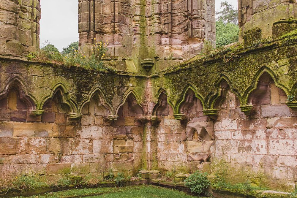 fountains-abbey-england-walls.jpg