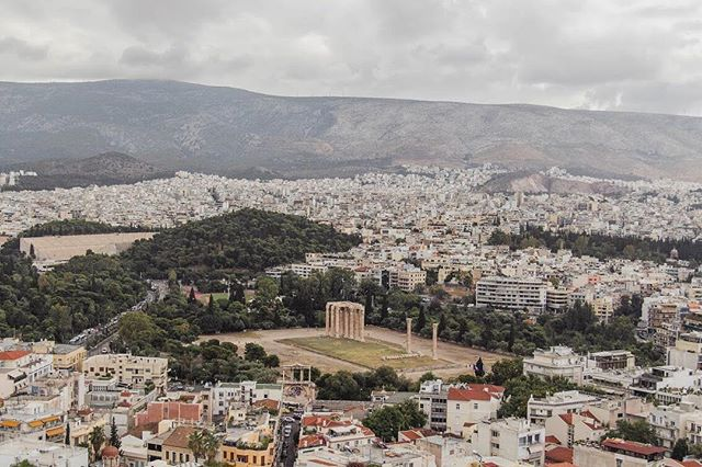 It was around this time last year that I learned that I ❤️ Athens.  This city completely blew me away. Every corner holds something historic, something trendy or something delicious.  If you're heading to Athens someday soon (and I hope you do!), have a read through my blog post for things to do, see and eat in this lively city #athens #travelblog