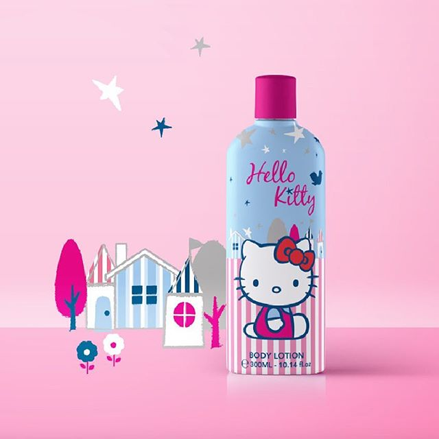 We love branding and especially when it's for kids 😍 Check out this cute Hello Kitty label #madebythinkerz