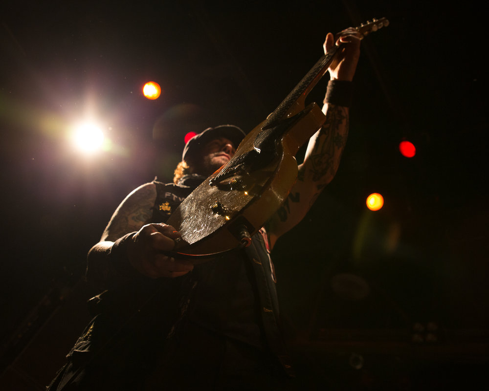 Guitarist Keith Nelson performing with Buckcherry