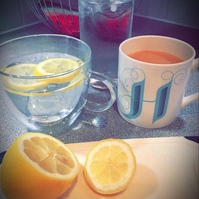 Morning lemonizing😆🍋😆🍋 pick me up!! #coulsonfitness #stayhydrated #h20 #lemons #whenlifegivesyoulemons #getfit #morninginspiration #morningworkout #instadaily #ukfit #leamingtonspa #lifestyle