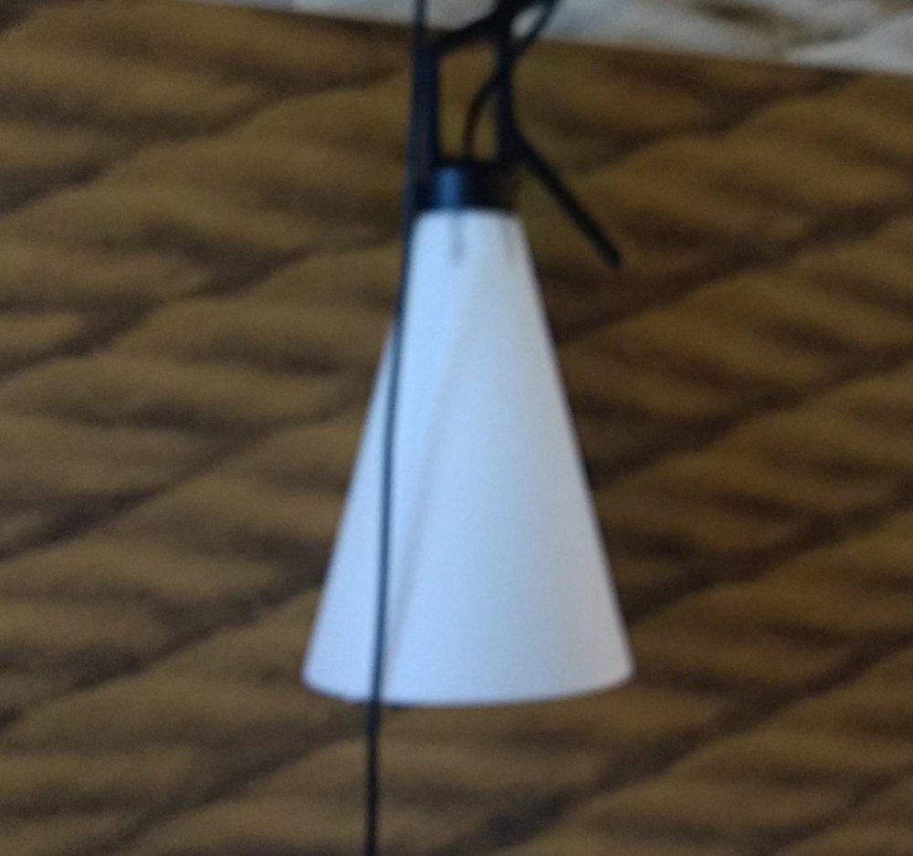 Adjustable bedside lamp
