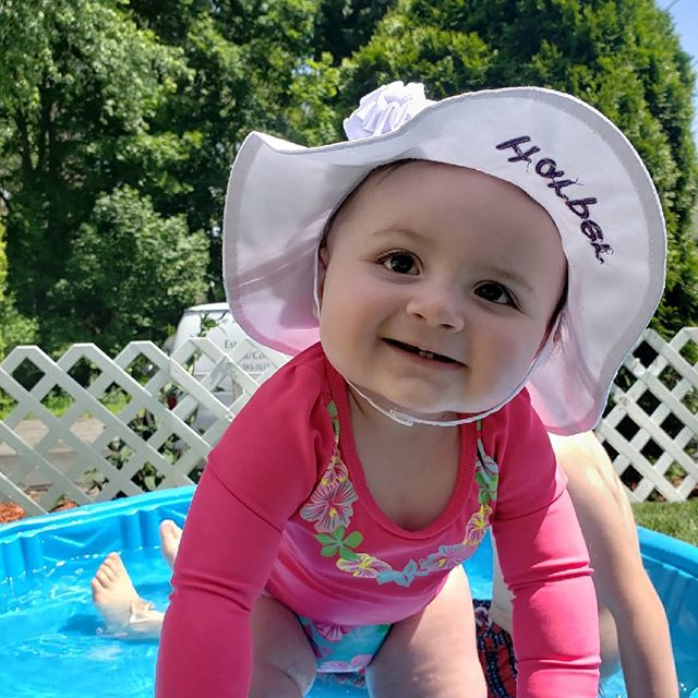 Harpers first pool party 😍😍