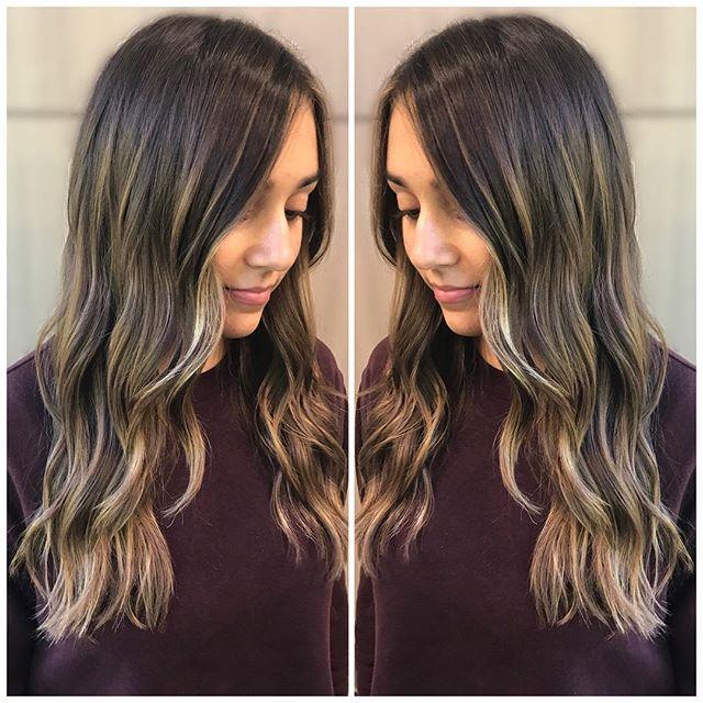 Sunkissed ☀️ • • • • • • • • #brunettebalayage #sunkissedhair #babehair #perfectlysunkissed #subtlebalayage #maneinterest #redken5thave #tousledhair #bohohair #wednesdayvibes #tousledcurls #901academy #scvhair #bossbabe