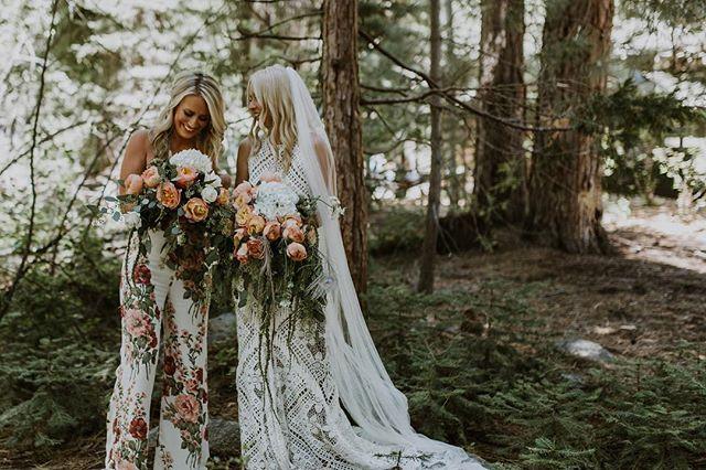 #tbt to styling these two 😍 • • • • #weddinghair #bridalupdo #bridalhair #bohostyle #bohocurls #foresthair #madeofhonor #bridelux #beautifulwedding #weddingstyle #bridesmaidhair #tahoeweddinghair
