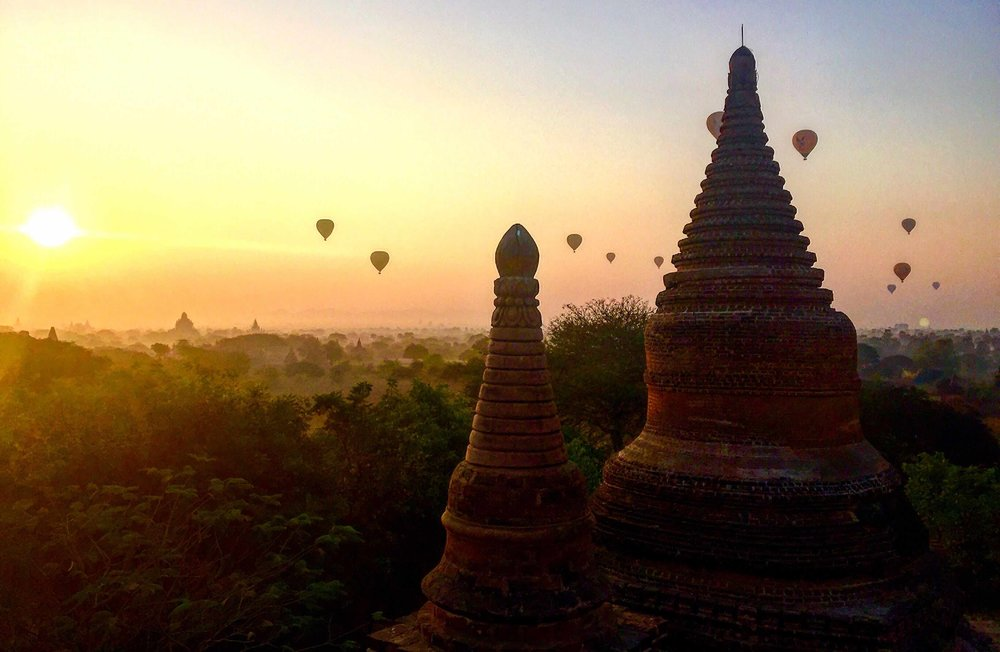 Hot air balloons over Bagan, India
