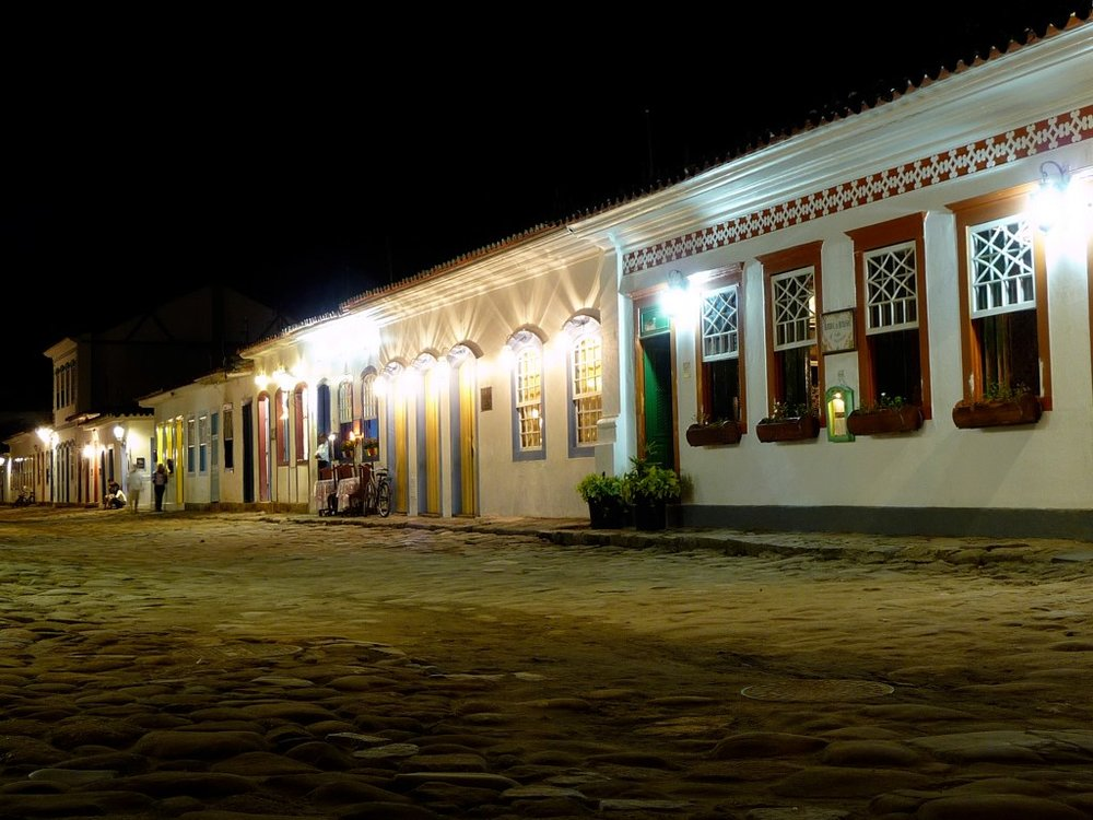 3-paraty-at-night1.jpg